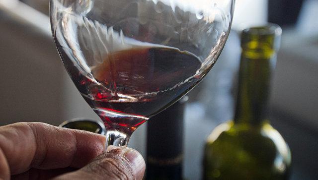Умеренное употребление алкоголя предотвращает развитие болезни Альцгеймера— Ученые