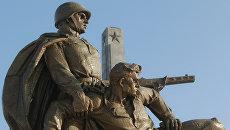 Памятник советским воинам в Варшаве. Архивное фото