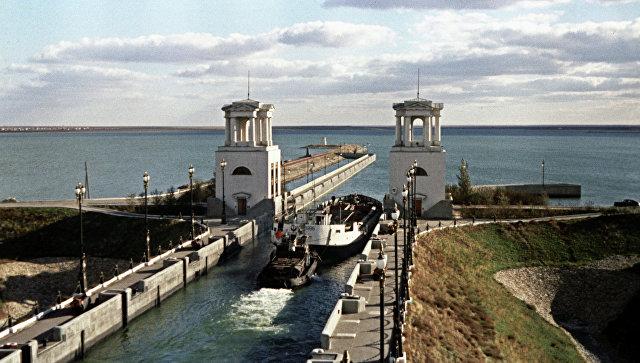 Волго-Донской судоходный канал имени В.И. Ленина. Шлюз № 10. Вид на Варваровское водохранилище