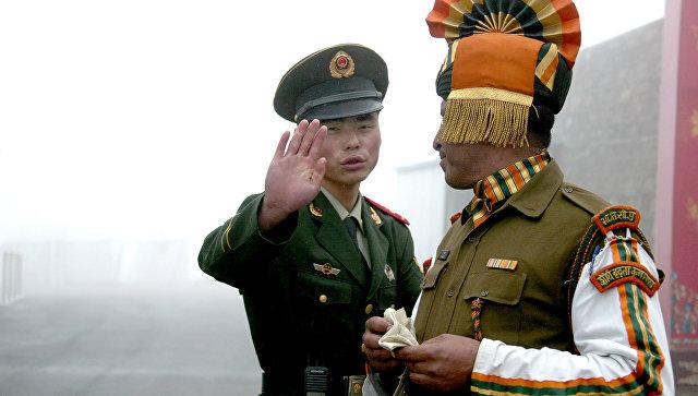 «Иначе война»— КНР хочет выдворить индийских военных стерритории плато Доклам