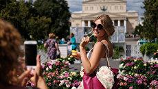 Посетители фестиваля Московское лето. Цветочный джем в Москве. Архивное фото