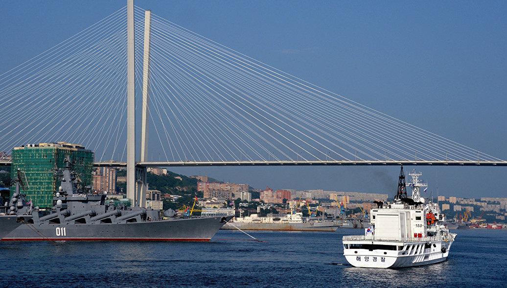 В предстоящем году начнется чистка бухты Золотой Рог воВладивостоке