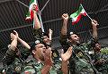 Болельщики команды армии Ирана во время индивидуальной гонки соревнований по танковому биатлону Армейских международных Игр-2017 на подмосковном полигоне Алабино