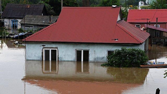 Здание, затопленное в результате наводнения. Архивное фото