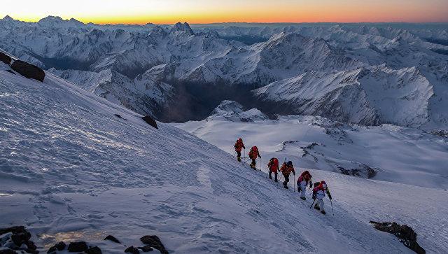 Саратовский альпинист сорвался сгоры Эльбрус