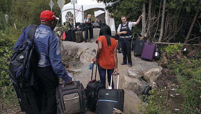 Мигранты из США на Канадской границе