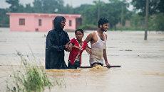 Во время наводнения в Непале. 13 августа 2017