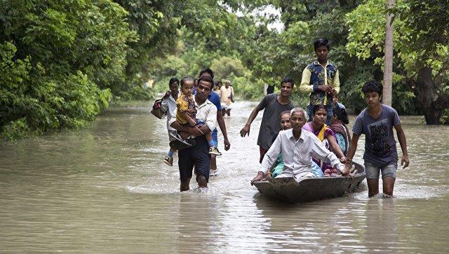Во время наводнения в Непале