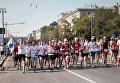 Раньше этот забег назывался Музыкальным, и на трассе для бегунов играли музыкальные коллективы.