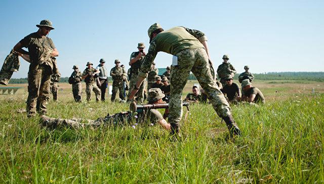 Американские инструкторы обучают украинских военных. Архивное фото