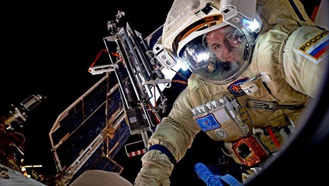 Космонавты поздравили столицу сДнем города сМКС