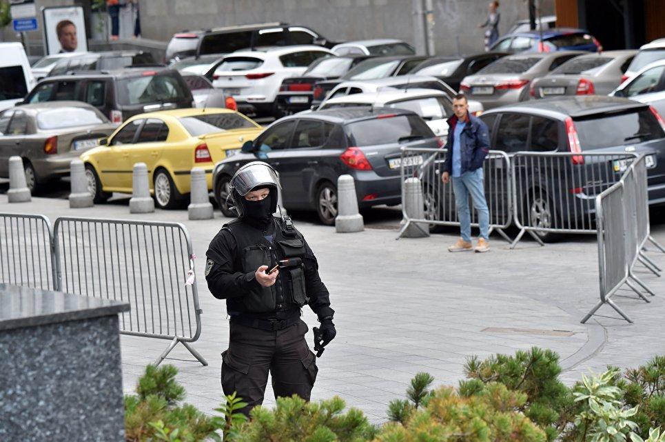 Киевлян позабавил танец бойца НАТО под волынку