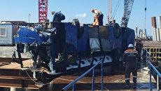 На Кубани автобус с рабочими упал в море
