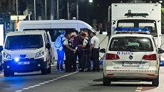 Полицейские на месте нападения террориста с ножом на военнослужащих в Брюсселе. Архивное фото