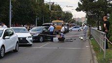 Сотрудники правоохранительных органов в Краснодаре, где было совершено нападение на сотрудников ДПС. 28 августа 2017
