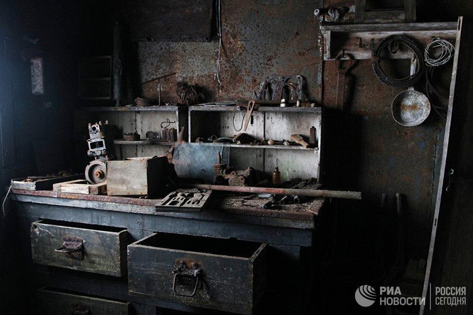 Интерьер в одном из домов на полярной станции в бухте Тихая.