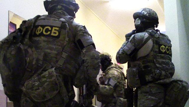 ФСБ и МВД разоблачили крупную сеть торговцев оружием с Украины
