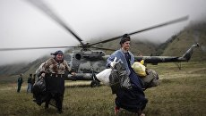 Эвакуация местных жителей и туристов из района схода селя в Республике Кабардино-Балкария. 1 сентября 2017