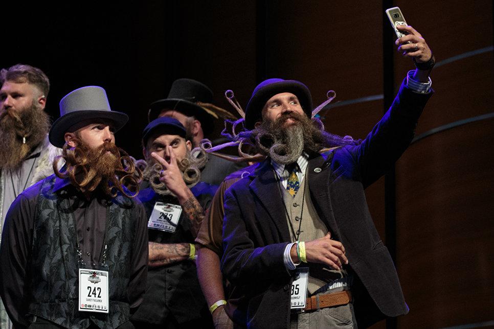 Участники чемпионата мира среди обладателей самых замысловатых бород и усов в Остине, США