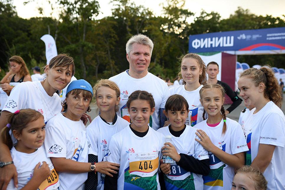 Самую длинную дистанцию выбрал министр спорта РФ Павел Колобков, который присоединился к марафону.