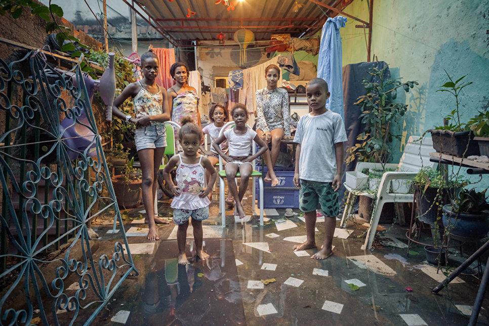 Работа фотографа из Италии Antonello Veneri Suburban Interiors в категории Портрет, вошедшая в шорт-лист Felix Schoeller Photo Award 2017