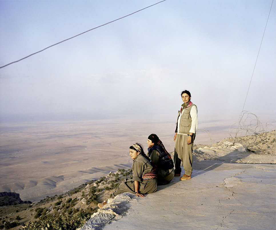 Работа фотографа из Германии Sonja Hama Jin – Jiyan – Azadi Women, Life, Freedom. Female Kurdish Fighters. в категории Фотожурналистика, вошедшая в шорт-лист Felix Schoeller Photo Award 2017