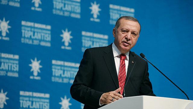 Президент Турции Тайип Эрдоган во время выступления перед мэрами турецких городов в Анкаре