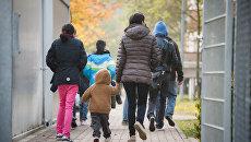 Беженцы проходят через депортационный центр в Бамберге, Германия. Архивное фото
