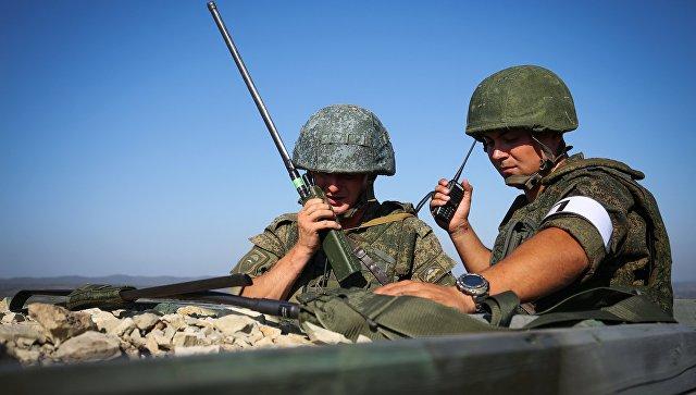 Военнослужащие во время тактико-специальных учений Новороссийского гарнизона Южного военного округа (ЮВО). Архивное фото