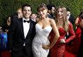 Маноло Гонсалес-Риполла Вергара, София Вергара и Клаудия Вергара на церемонии награждения телевизионной премии Эмми-2017 в Лос-Анджелесе