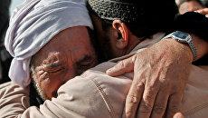 Мусульмане на похоронах. Архивное фото