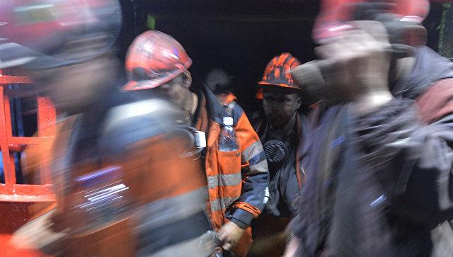 Два горняка погибли при взрыве метана на шахте в ДНР