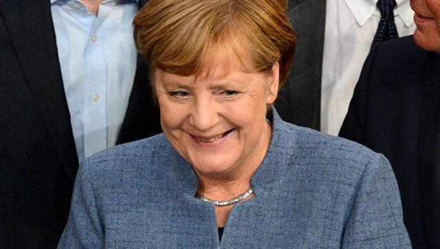 """В партии """"Альтернатива для Германии"""" призвали Меркель уйти с поста канцлера"""