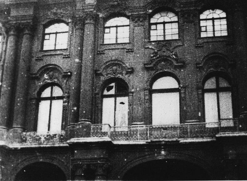 После взятия Зимнего дворца. Утро 26 октября