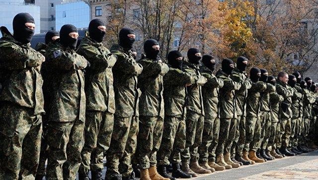 Отправка курсантов полка Азов в зону конфликта на юго-востоке Украины. Архивное фото
