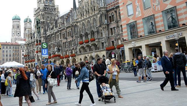 Здание Новой ратуши на площади Мариенплац в Мюнхене. Архивное фото