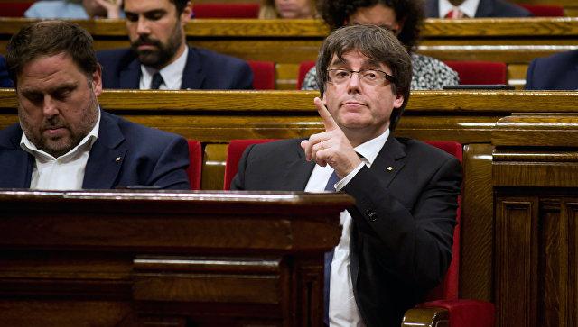 Лидер Каталонии вчетверг объявит досрочные выборы вавтономии,— ElPais