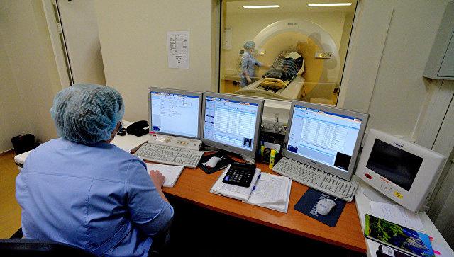 Обследование пациента с использованием позитронно-эмиссионного томографа
