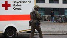 Полиция в районе Розенхаймерплац в Мюнхене, где мужчина с ножом напал на прохожих. 21 октября 2017