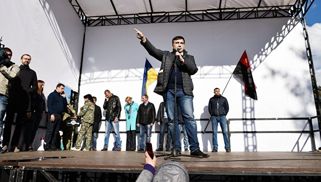 Саакашвили заявил, что не общался с Порошенко после возращения на Украину