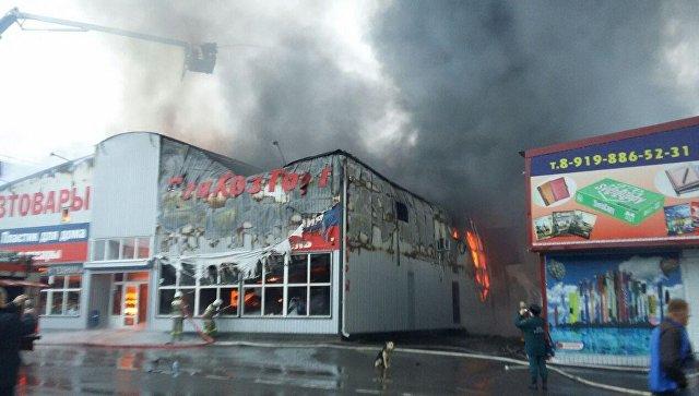 Пожар на хозяйственном рынке под Ростовом-на-Дону потушен