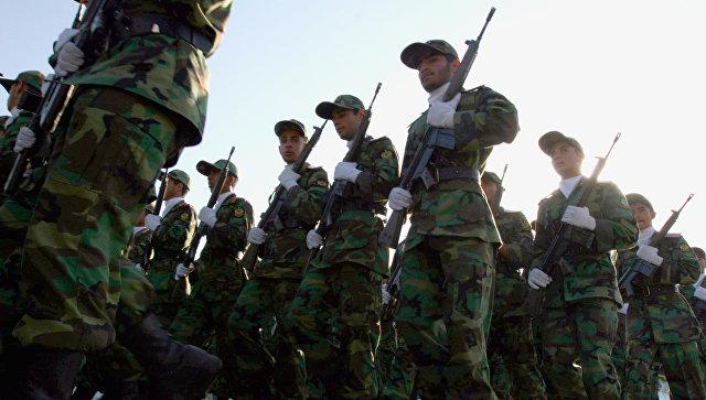 Солдаты Корпуса стражи исламской революции (КСИР) во время военного парада в Тегеране. Архивное фото