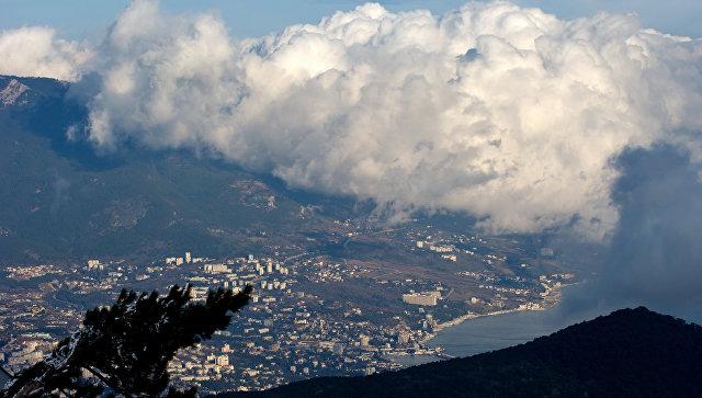 Вид на Ялту с горы Ай-Петри.