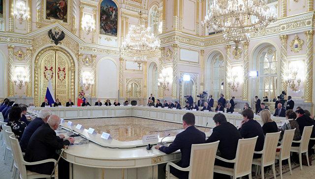 Путин открыл мемориал «Стена скорби» в российской столице
