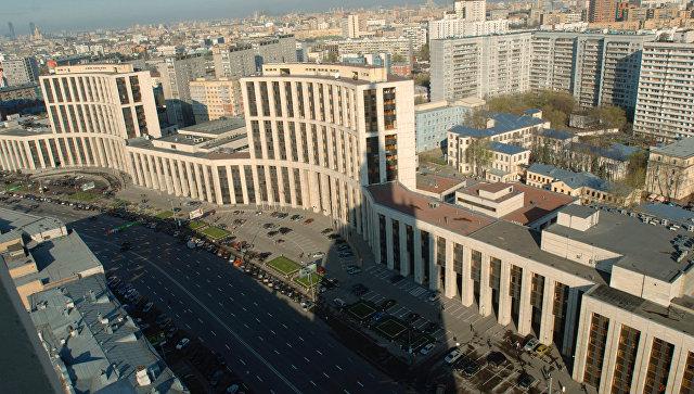 Вид на проспект Академика Сахарова. Архивное фото