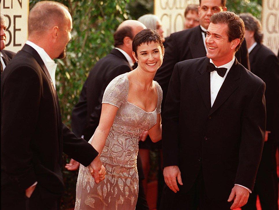 Актеры Мэл Гибсон, Деми Мур и Брюс Уиллис на 54-й церемонии вручения премии Золотой глобус