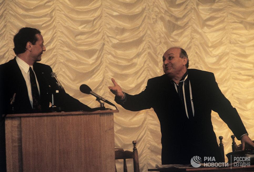 Писатели-сатирики Михаил Николаевич Задорнов и Михаил Михайлович Жванецкий