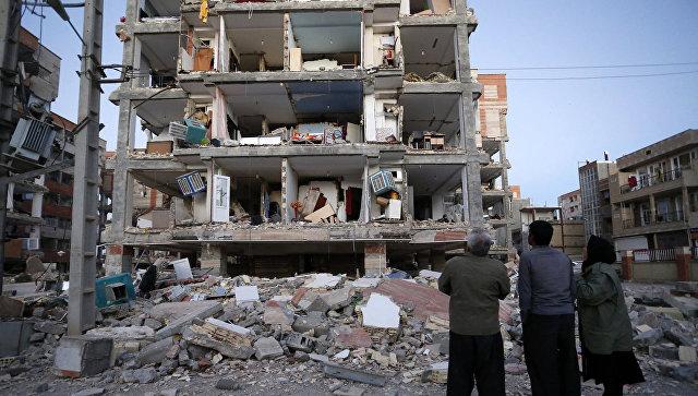 Число жертв землетрясения в Иране превысило 160 человек
