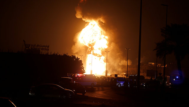 Пожар на нефтепроводе в Бахрейне. 10 ноября 2017