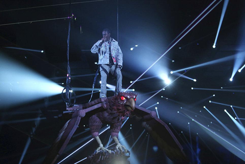 Рэпер Тревис Скотт во время выступление на MTV Europe Music Awards